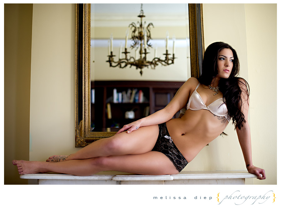 chicago female boudoir photographer