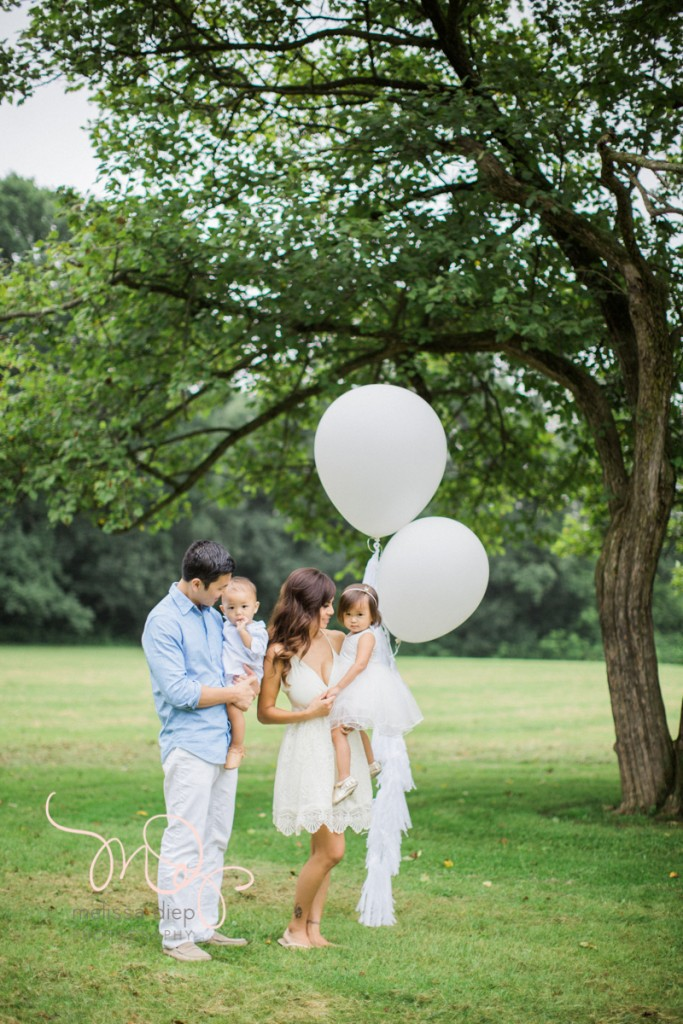whimsical airy field floral family session chicago grassy knoll-3