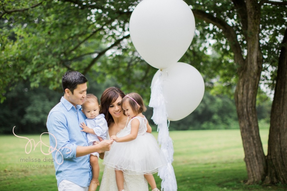 whimsical airy field floral family session chicago grassy knoll-4
